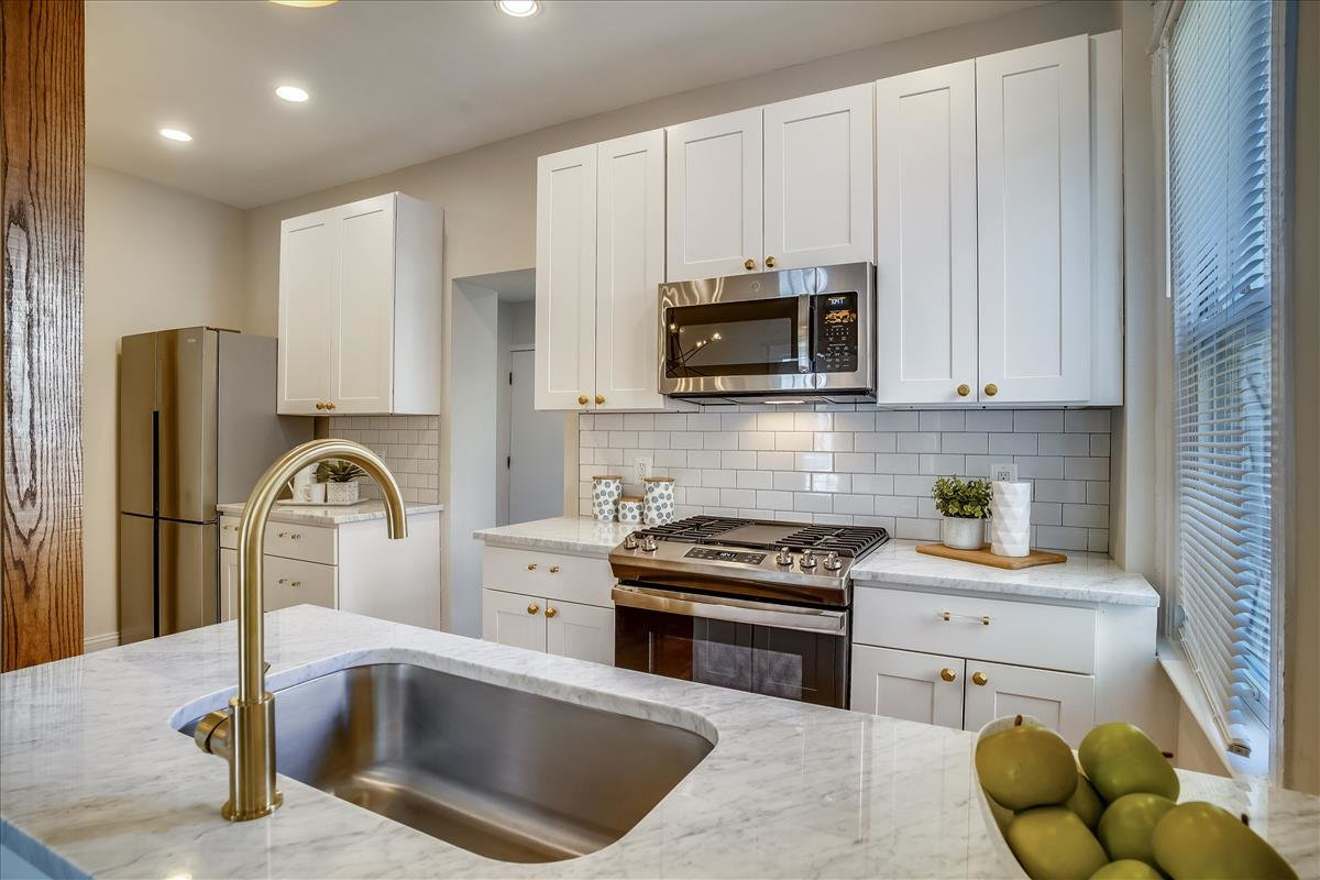 3218 10th Street NE_Kitchen 2