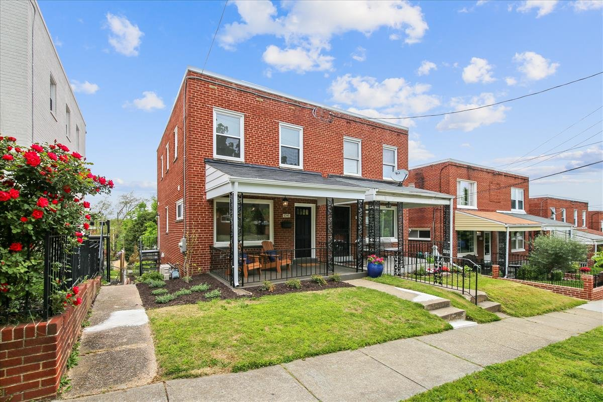 5245 Chillum Place NE_Exterior 1