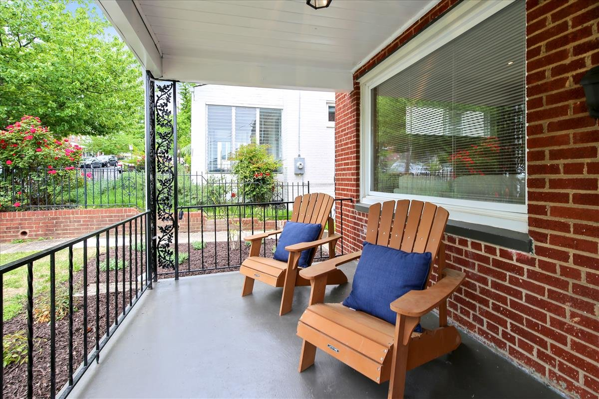 5245 Chillum Place NE_Porch 2