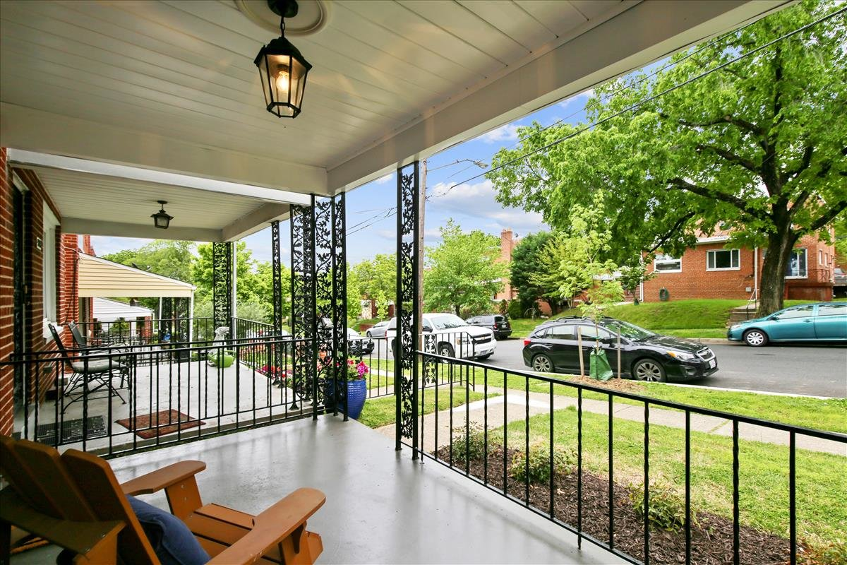 5245 Chillum Place NE_Porch 1