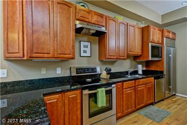 1360 Kenyon St NW DC kitchen
