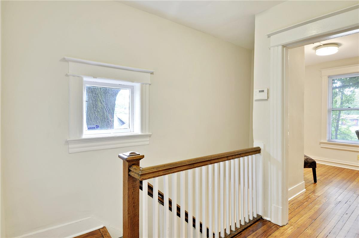 1500 Lawrence St NE DC 2nd floor landing
