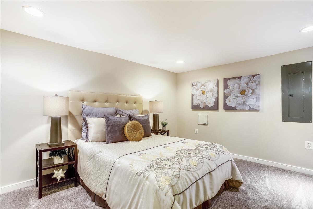 2815 6th ST NE Washington DC IN-law suite bedroom
