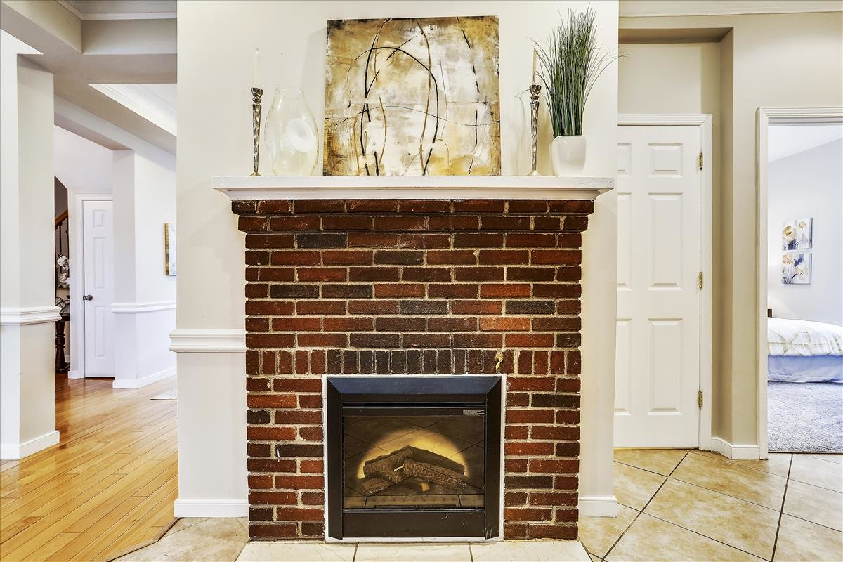2815 6th ST NE Washington DC Fireplace