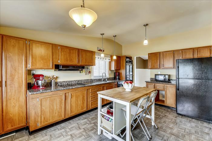 304 Charlton Ct Silver Sping Kitchen