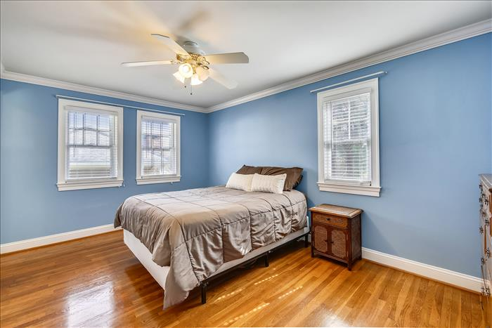 304 Charlton Ct Silver Spring MD bedroom 1