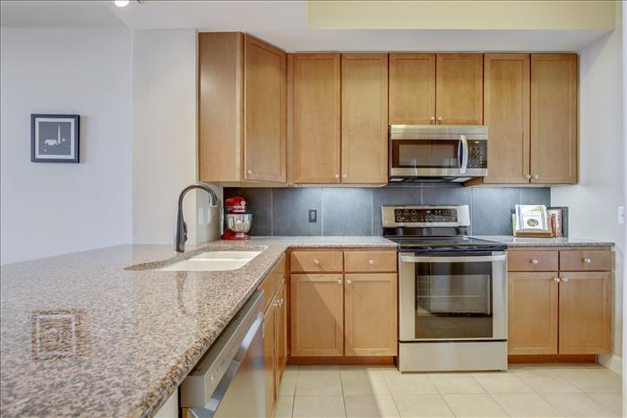 400 Massachusetts Ave NW #PH1301 Kitchen