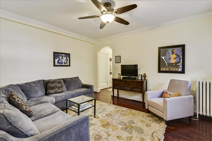 5112 Connecticut Ave NW #207 Washington DC  Living Room