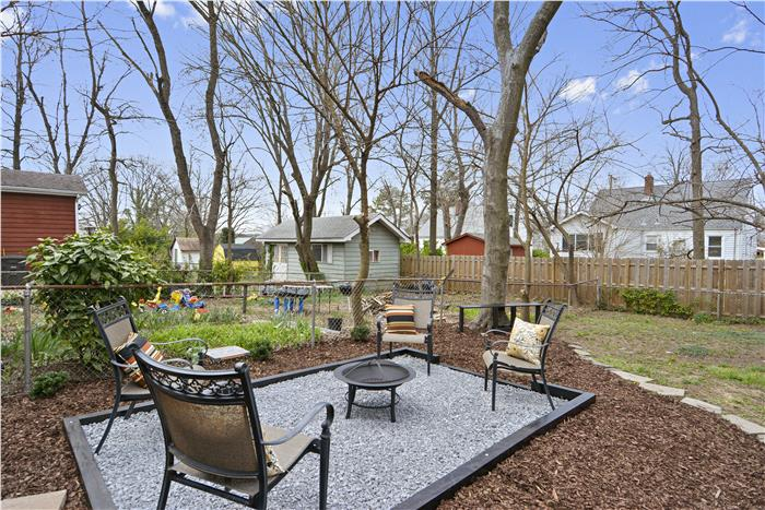 5810 33rd Pl Hyattsville Back yard